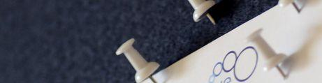 Anthrazit, weißes Profil